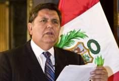 Alan García no confirma si tiene título de doctor sino sólo estudios