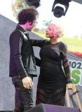 [FOTOS Wango Tango de KIIS FM] Christina Aguilera canta con 'pancita' de embarazada y sorprende