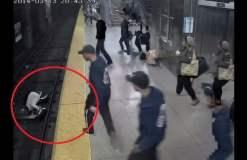 [VIDEO] Impactante: Mujer cae a vías del metro y pasajeros la salvan en segundos