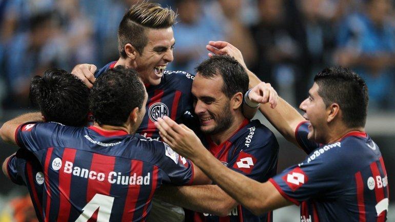 Sólo en el papel y ante las sorpresas de la presente edición de la Copa Libertadores, San Lorenzo de Almagro es favorito para consagrarse campeón.