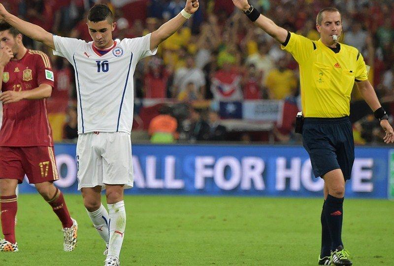 Chile clasificó a los octavos de final y de paso eliminó a una decepcionante España