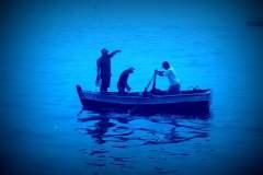 Armada de Chile rescata a cuatro peruanos que naufragaron cerca a Iquique