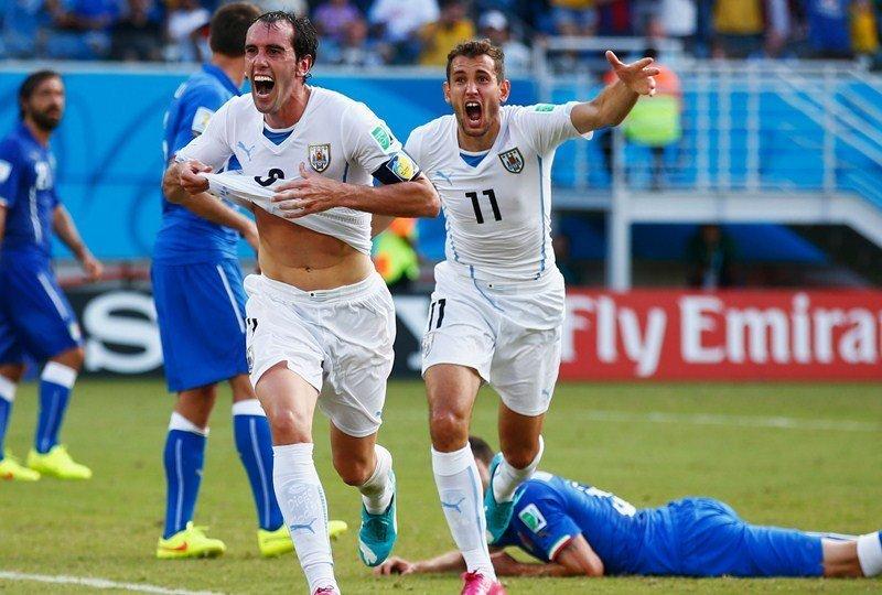 A Través de Godín, Uruguay hizo el milagro y avanzó a los octavos de final dejando en el camino a Italia.