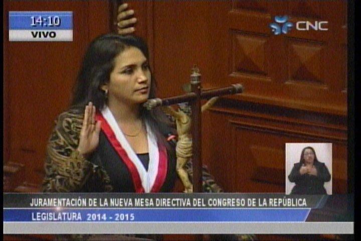 Ana María Solórzano gana por dos votos la presidencia del Congreso