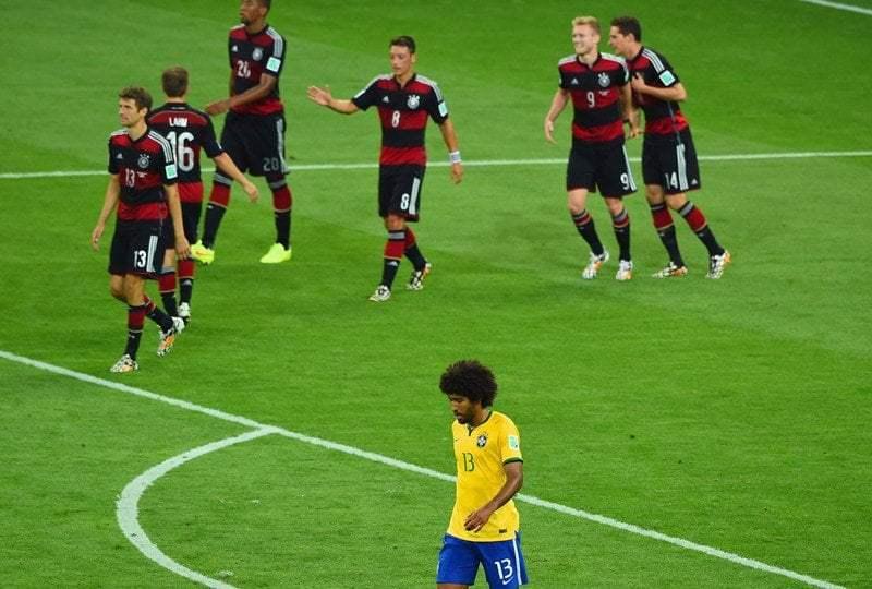 HUMILLACIÓN Y FRACASO. Alemania goleó a una selección brasileña que dio pena.