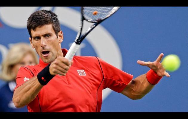 Djokovic y Wawrinka iniciaron el US Open con victorias en tres sets