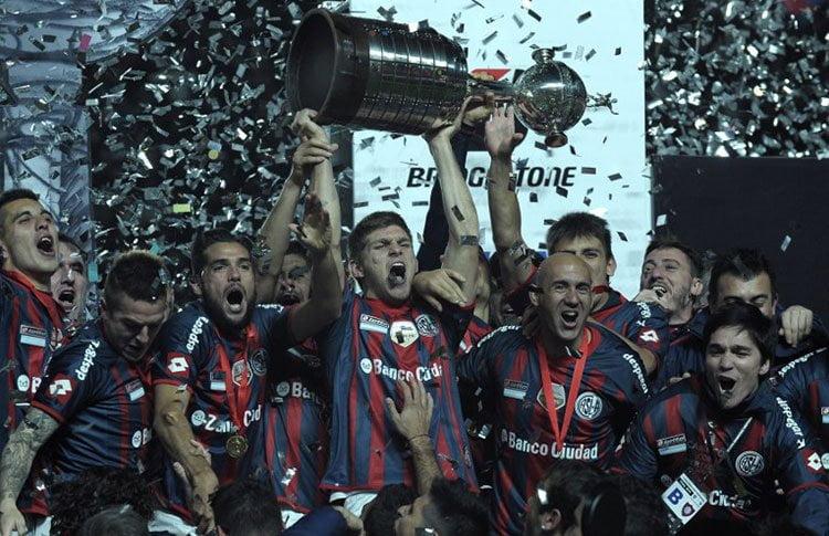 Por primera vez San Lorenzo de Argentina alzó la Copa Libertadores.