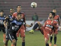 Vallejo no pudo administrar los dos goles de ventaja en Bolivia y terminó empatando con Universitario de Sucre.