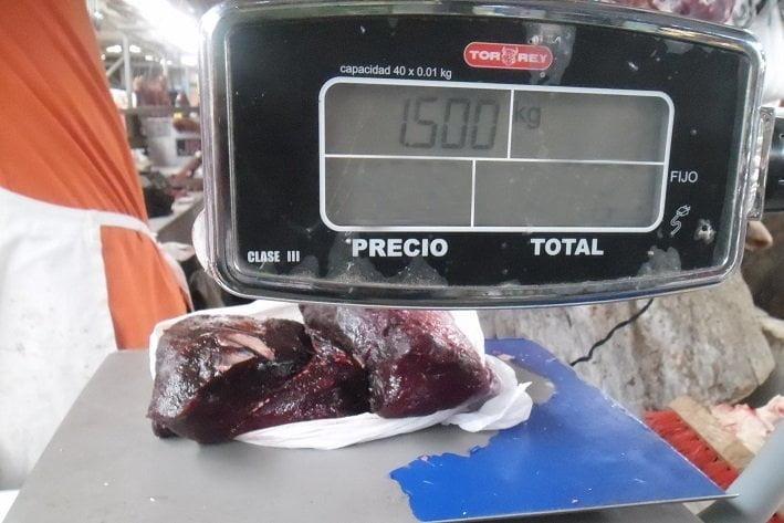 El kilo y medio de carme de delfín fue donado a una casa del adulto mayor ubicada en Huacho.