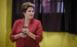 Dilma Rousseff gana las elecciones en Brasil tras derrotar a Aécio Neves