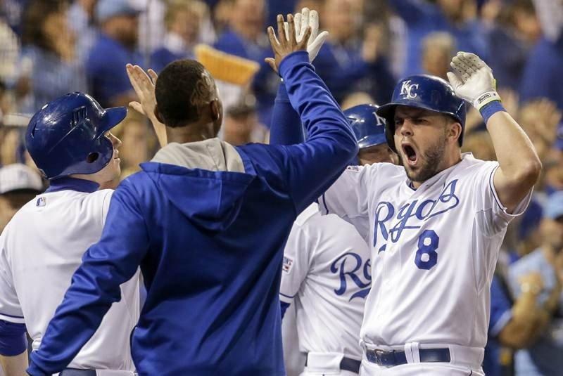 Los reales de Kansas City sorprendieron a los Orioles en su propia casa.