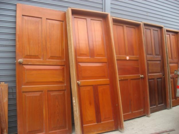 Los muebles artesanales peruanos son hechos con modernos diseños y muy finos acabados.