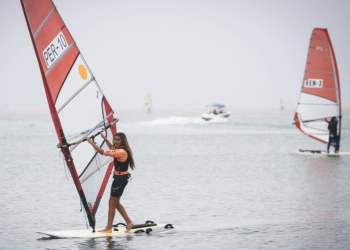 Maria Belén Bazo fue la mejor velerista en la categoría Tabla RSX.
