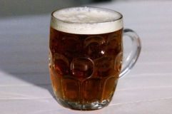 Estudio: Medio litro de cerveza al día previene de males al corazón