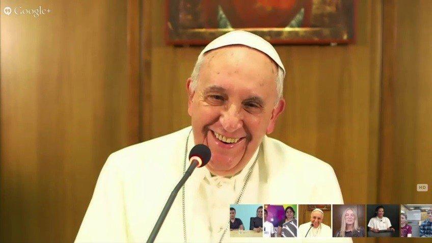 Papa Francisco conversó con niños del mundo vía Hangout