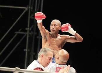 Carlos Zambrano logró el campeonato mundial de box en la categoría pluma.