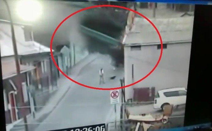 Impactante: Camión cae sobre una casa en Chile [VIDEO]