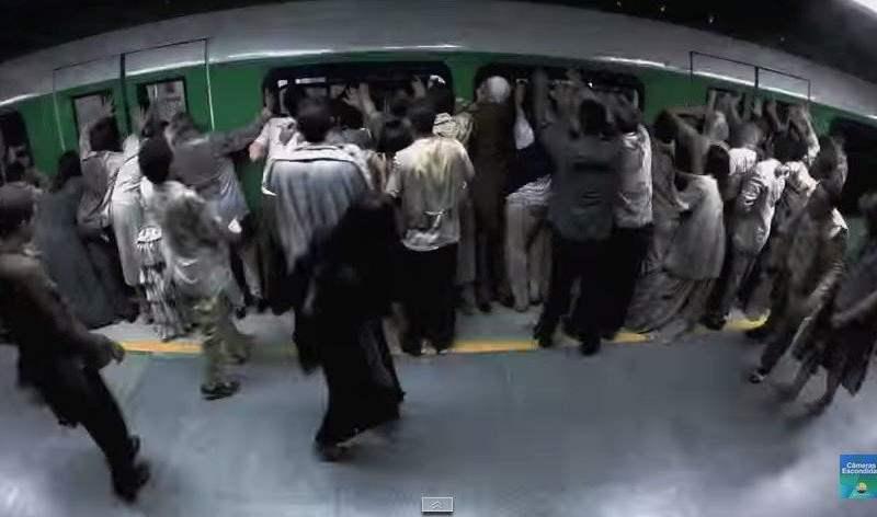 YouTube: Aterradora broma de zombies en el metro es viral