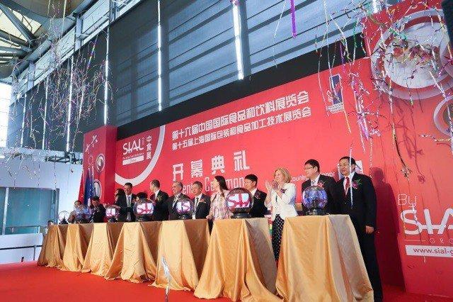 Importadores chinos mostraron interés por nuestros alimentos en la Feria SIAL.