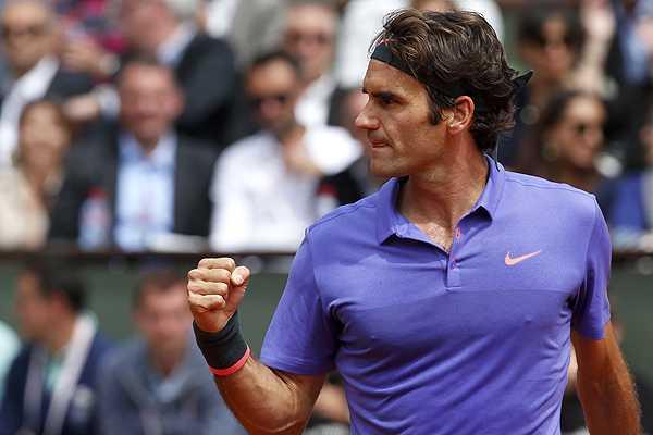 Federer marcó el ritmo sobre Dzumhur y colocó su nombre en la próxima ronda de París.