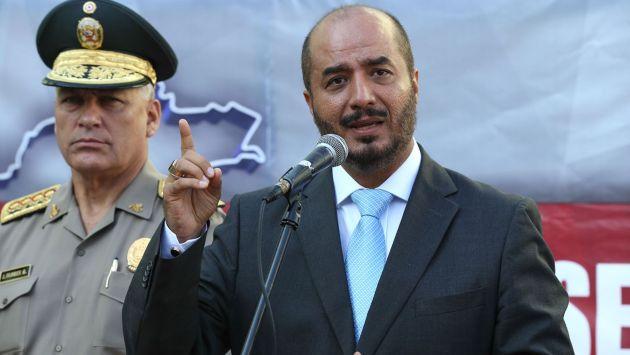 """Ministro del Interior: """"Policía está autorizada a usar armas en protestas"""""""