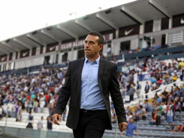 Sanguinetti renunció a su cargo de entrenador del primer equipo blanquiazul.