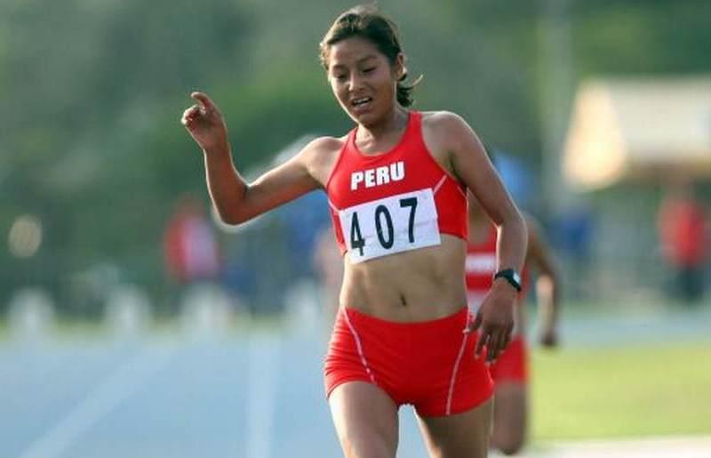 Inés Melchor termina quinta en 10,000 metros planos pese a lesión