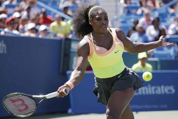 """Serena Williams dio otro paso firme hacia el """"bi"""" de Cincinnati."""