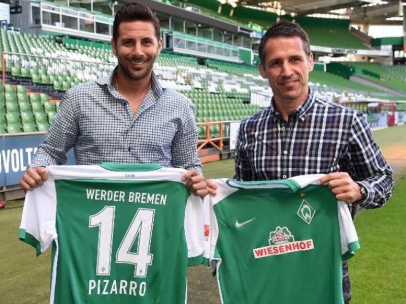 Claudio Pizarro usará la camiseta número 14 en el Werder Bremen.