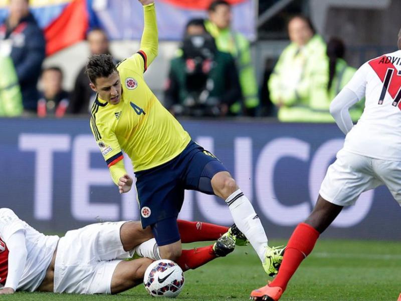 Perú cae 2-0 ante Colombia en debut de eliminatorias a Rusia 2018
