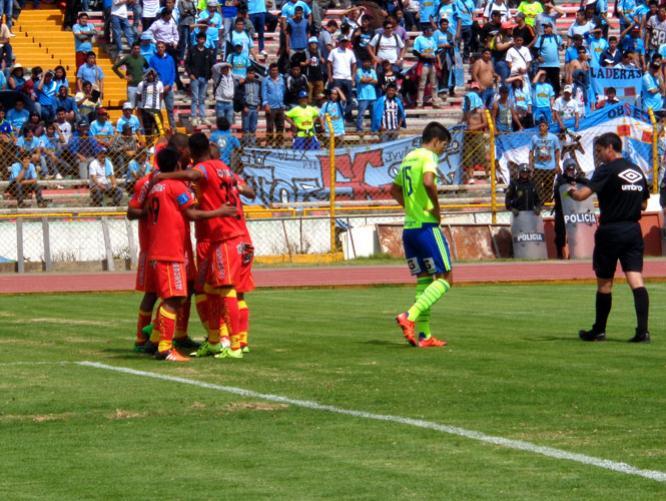 Cristal perdió un invicto de 17 partidos tras caer en Huancayo.