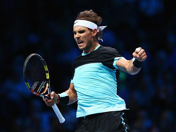 Nadal consiguió un triunfo vital para su objetivo de avanzar a segunda ronda del Torneo de Maestros que se disputa en Londres.