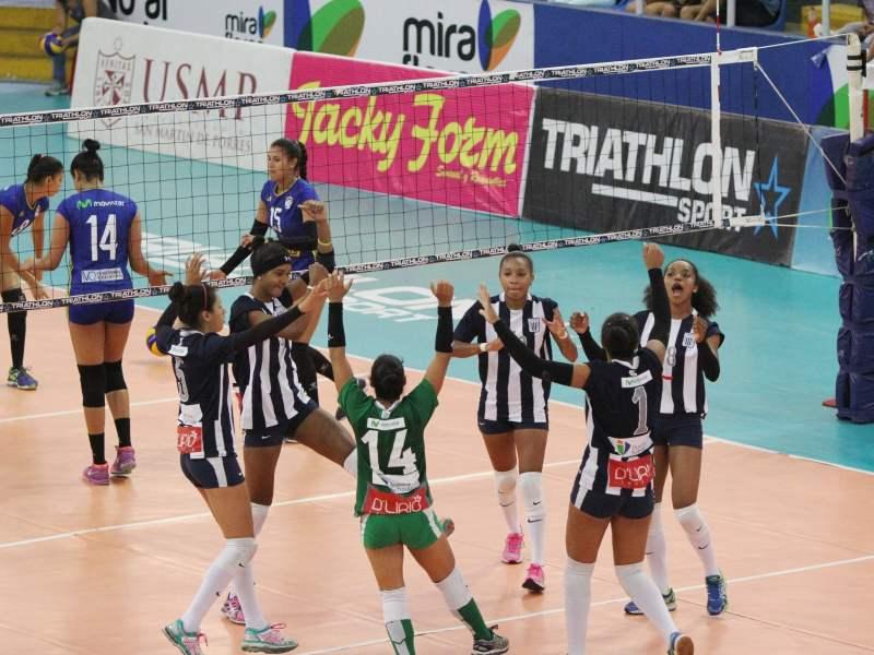 Alianza Lima celebró por primera vez en el Octogonal