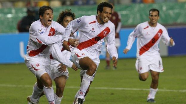 Piero Alva marcó el único gol en la victoria de Perú sobre Venezuela por clasificatorias al Mundial de Sudáfrica 2010.