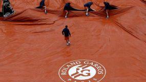 La lluvia postergó para mañana varios encuentros en el inicio del Roland Garros.