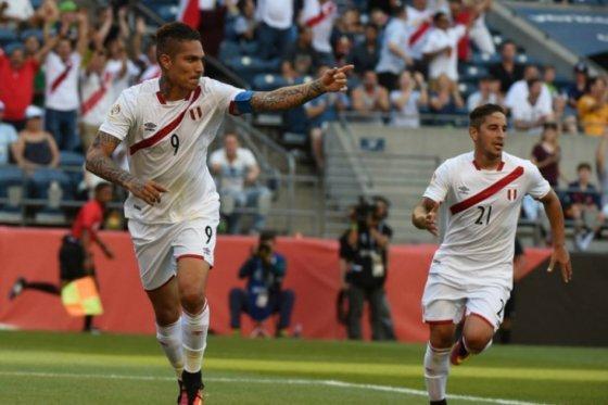 Paolo Guerrero lidera el ranking de goleadores históricos de Perú.