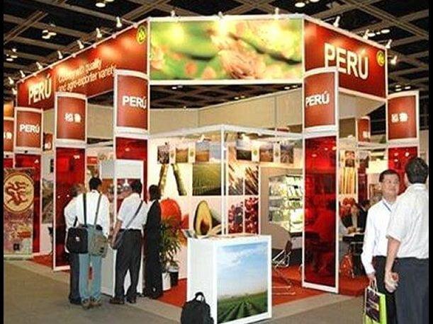 Exportadores peruanos presentaron a sus pares chinos alimentos procesados en base a quinua,  maca, camu camu, cacao, entre otros.