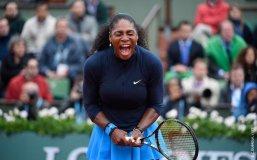 Gran grito de Serena Williams por sacar adelante un compromiso difícil.