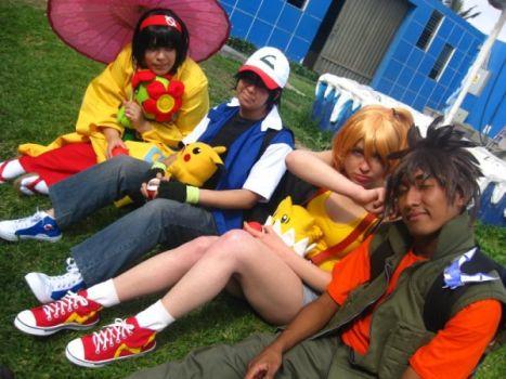 Niños disfrazados de Pokémon