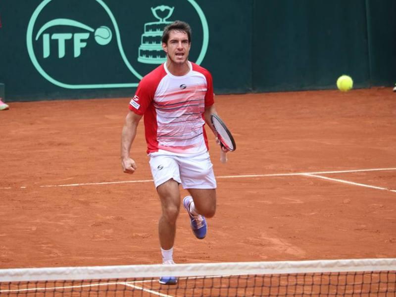 Echazú logró sacar adelante su partido de Copa Davis contra el venezolano Muñoz Abreu.