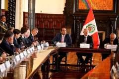 El presidente de la República se reunió con una delegación de empresarios chilenos.