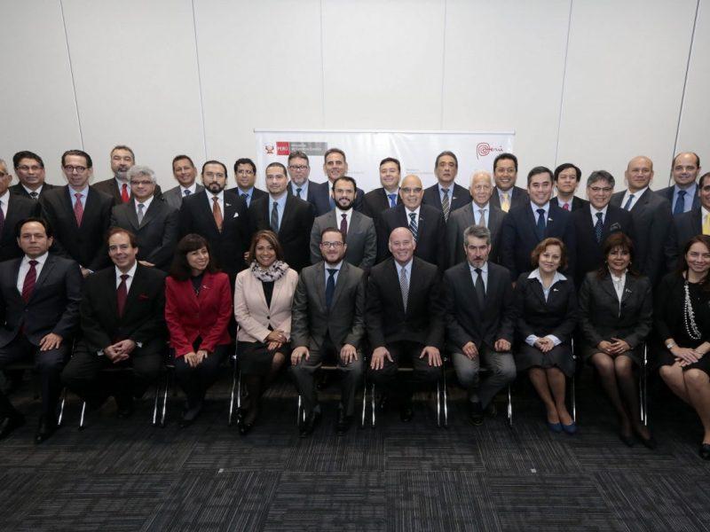 El ministro Ferreyros presentó a los 31 consejeros de comerciales que elaboraron el plan de promoción para las exportaciones y el turismo.