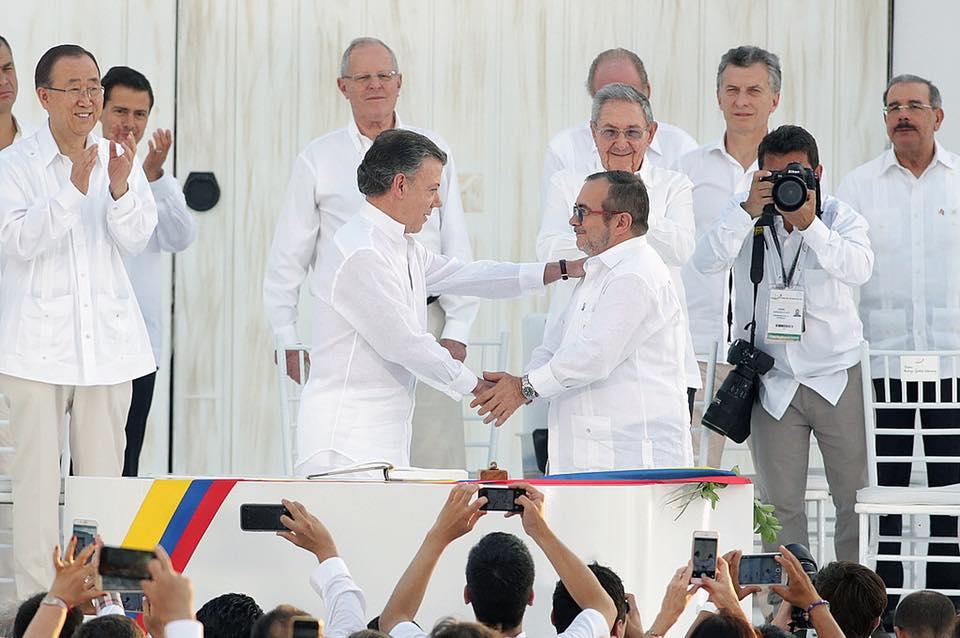 El presidente Kuczynski presente en el acuerdo de paz entre el gobierno colombiano y las FARC.