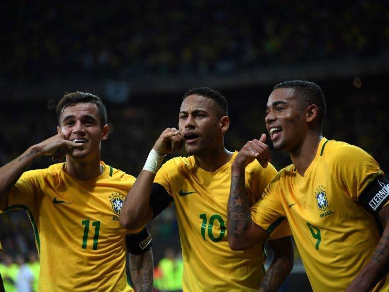 Brasil goleó a Argentina y se encuentra al tope de la tabla en las clasificatorias.