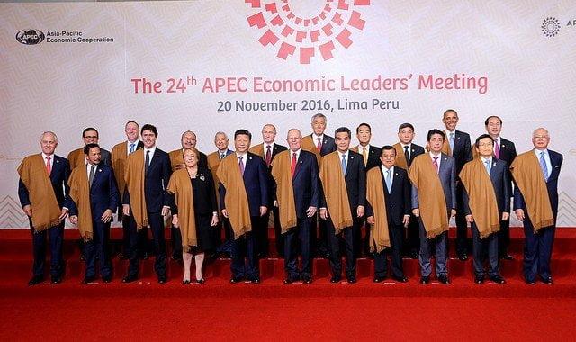 Los líderes de las 21 economías que integran el APEC en la foto oficial.