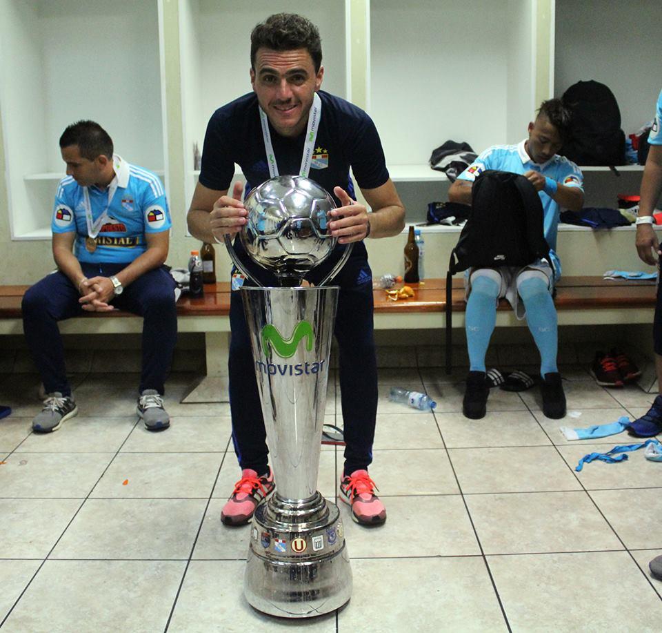 El argentino Mariano Soso renunció sorpresivamente a la dirección técnica de Sporting Cristal.