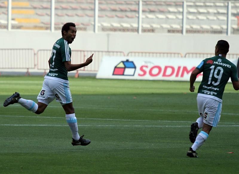 Lobatón marcó el gol del triunfo rimense en el encuentro que derivó luego en la definición por penales.