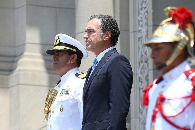 Ministro Salvador del Solar lideró cambio de guardia en homenaje al aniversario de Lima
