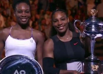 Serena Williams campeonó en Melbourne tras derrotar a su hermana Venus y a partir del lunes volverá a liderar el ranking de la WTA.