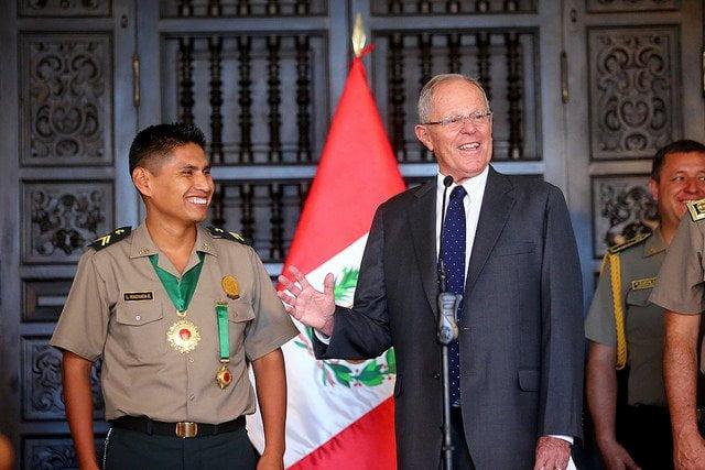 Presidente Kuczynski felicitó a Suboficial PNP Machaca por su valerosa acción durante balacera